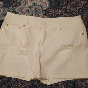 Super cute white distressed shorts